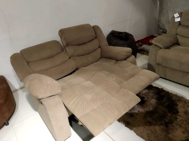 Fantastic 2 Months Used 5 Seater Recliner Sofa Dailytribune Chair Design For Home Dailytribuneorg