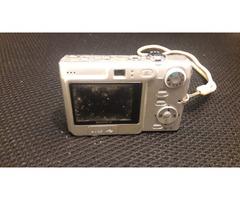 SONY DSC-W70 7.2 Mega Pixel - Image 2/2