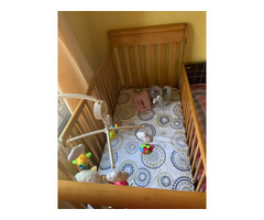 Baby cot wooden US manufactured - Image 1/2