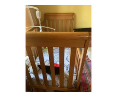 Baby cot wooden US manufactured - Image 2/2