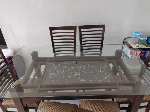 Glass Dining table set - 5/6