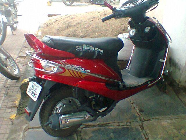 Mahindra Rodeo One Handed Moped Bike