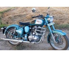 Royal Enfield 500 classic - Avg 35-40 Km/liter