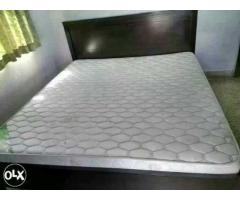 6.5ft x6ft Solid Wood Bed + 6