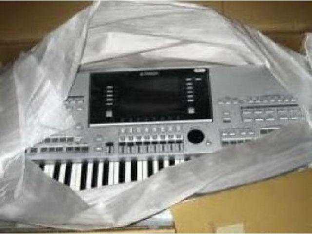 Yamaha Tyros 4/ 5 Keyboard synthesizer