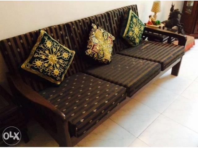 5 Seater Elegant Wooden Sofa Set With High Quality Dunlop Seat