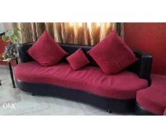 7 seater Black Red Sofa with throw pillows