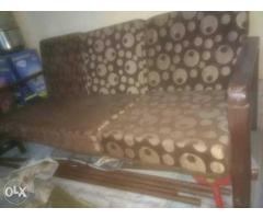 brown and white floral padded sofaset