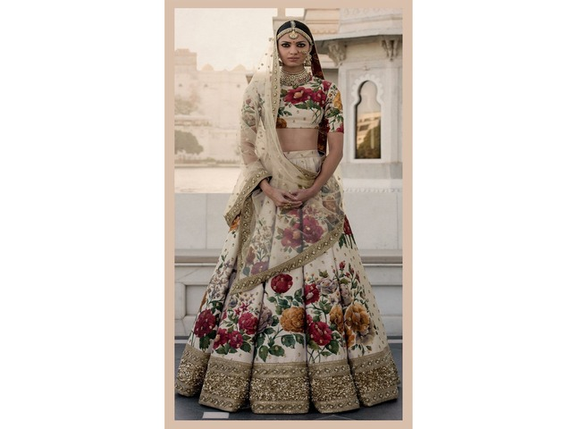 Trouble Finding the best Bridal wear for you: Here we are Vadhu Creations - 3/4