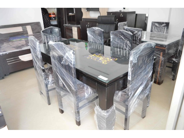 Pure Sagwan Dining Table with the Modern look - 2/2